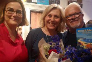 Kristina; Maria och Micael som vann boken, på releasepartyt i Gamla stans bokhandel.