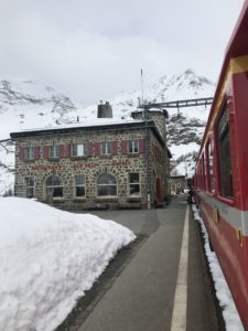 Hotel Alpe Grüm längs Bernina Express foto: Maria Unde Westerberg