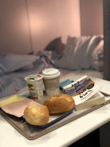 Frukost på sängen på nattåget Maria Unde Westerberg
