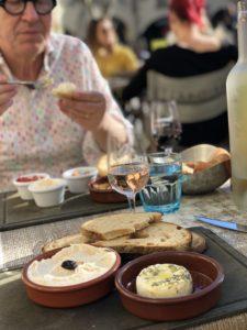 Lunch i Uzès foto Maria Unde Westerberg