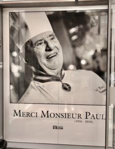 Merci Monsieur Paul, utanför Les Halles Paul Bocuse i Lyon foto Maria Unde Westerberg