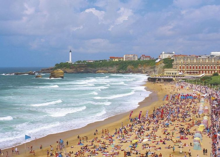 Ta tåget till surfen i Biarritz, eller kanske i Portugal?