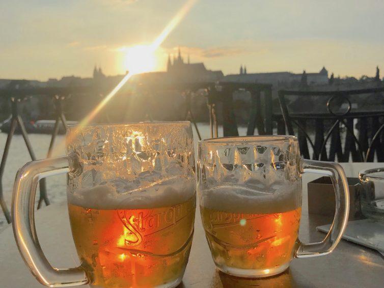 En pilsner i Prag tack